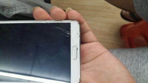 手机是否有必要贴钢化玻璃膜吗?